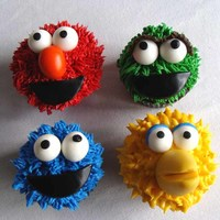 Sesame Street Cupcakes Some familiar looking cupcakes based on the sesame street favorites.